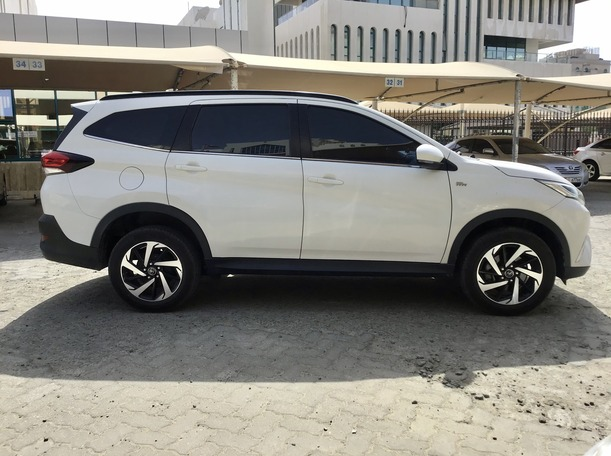 Used 2019 Toyota Rush for sale in abudhabi