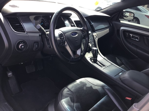 Used 2016 Ford Taurus for sale in dubai