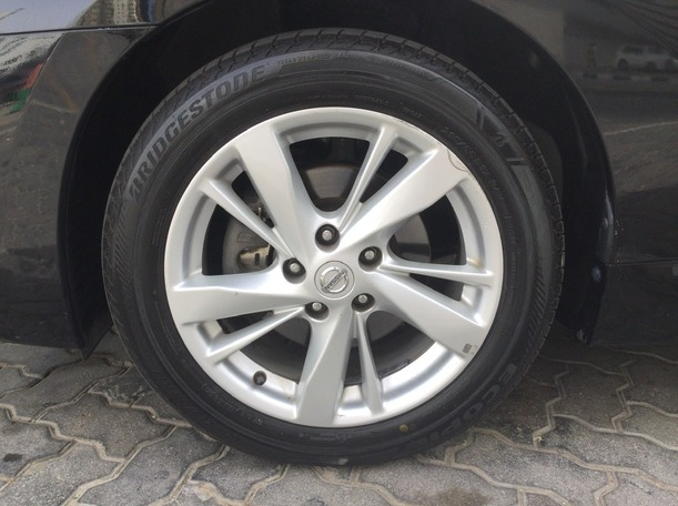 Used 2014 Nissan Altima for sale in sharjah