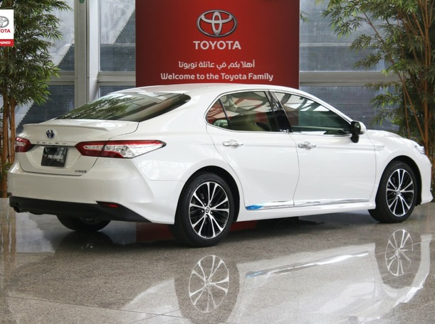 Used 2020 Toyota Camry for sale in sharjah