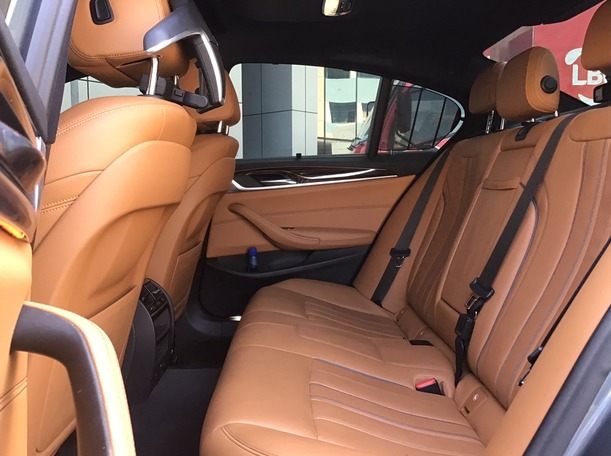 Used 2018 BMW 520 for sale in dubai