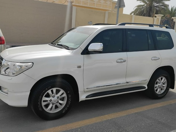 Used 2010 Toyota Land Cruiser for sale in sharjah