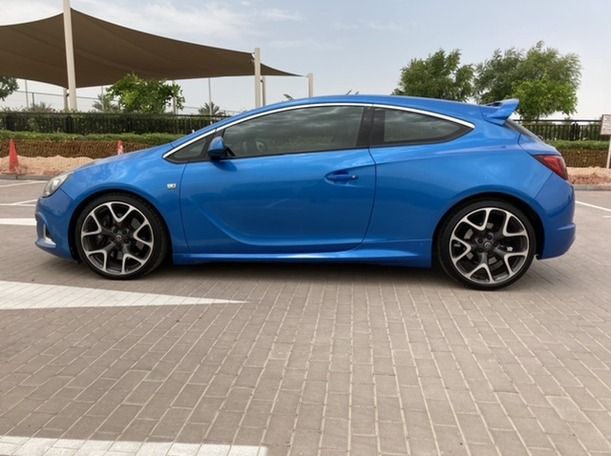 Used 2014 Opel Astra for sale in dubai