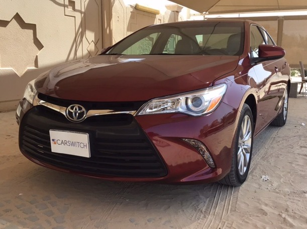Used 2017 Toyota Camry for sale in abudhabi