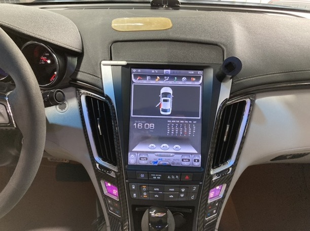 Used 2013 Cadillac CTS for sale in dubai