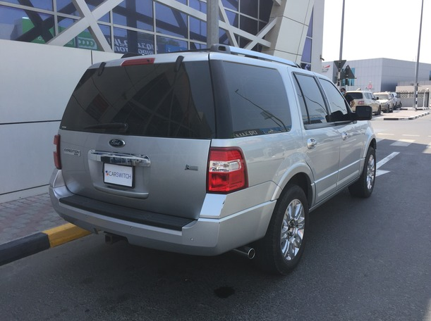Used 2013 Ford Expedition for sale in dubai