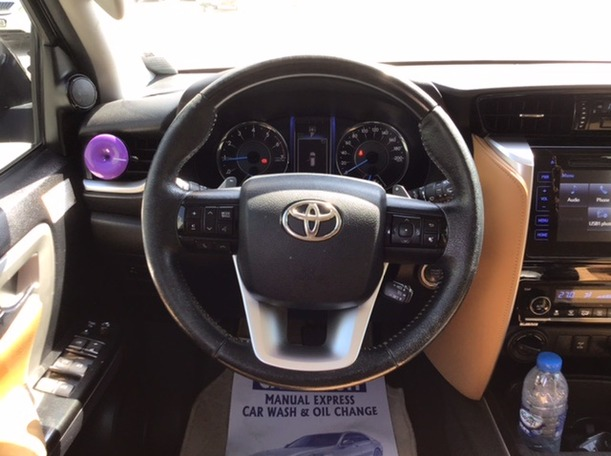 Used 2016 Toyota Fortuner for sale in sharjah