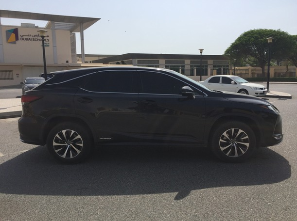 Used 2020 Lexus RX450h for sale in sharjah