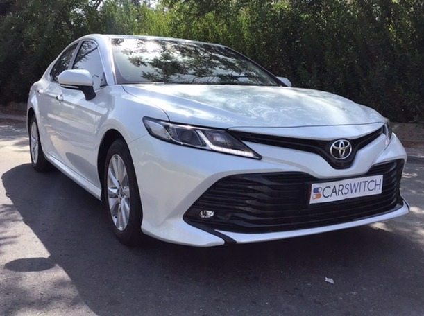 Used 2020 Toyota Camry for sale in abudhabi