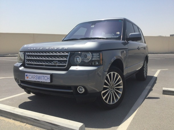Used 2012 Range Rover Vogue for sale in dubai