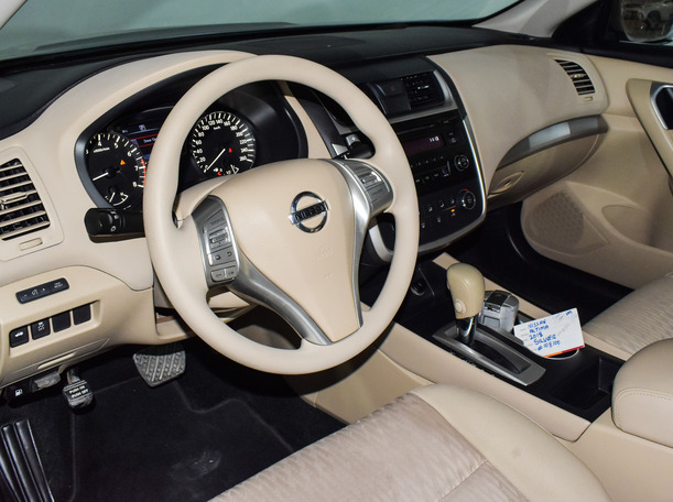 Used 2018 Nissan Altima for sale in sharjah