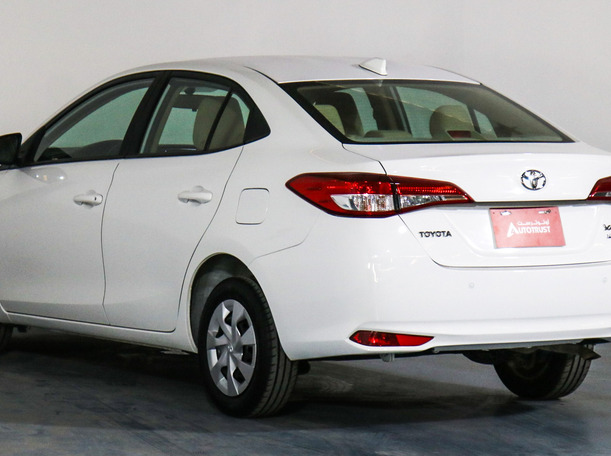 Used 2018 Toyota Yaris for sale in sharjah
