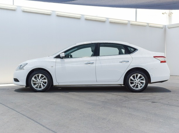 Used 2017 Nissan Sentra for sale in ajman