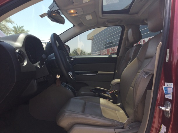 Used 2011 Jeep Compass for sale in dubai