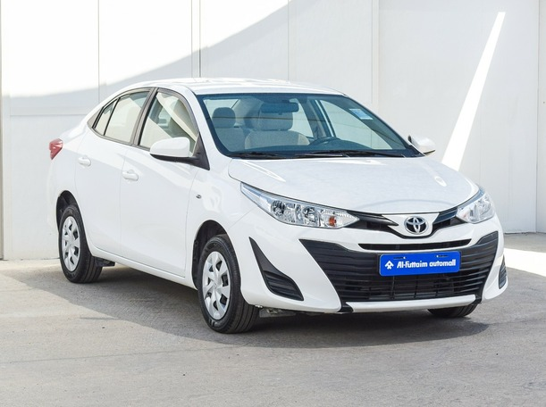 Used 2020 Toyota Yaris for sale in abudhabi