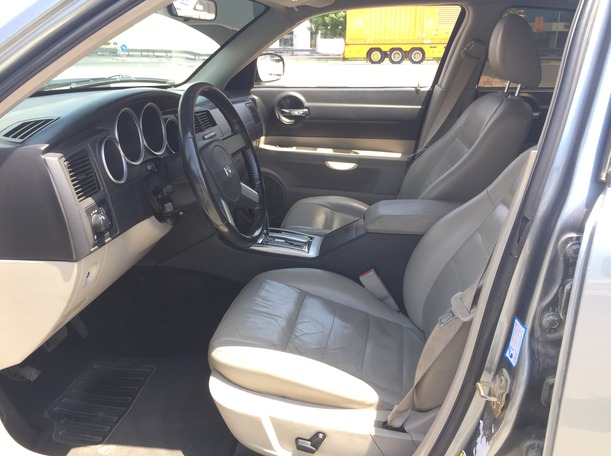 Used 2006 Dodge Charger for sale in dubai