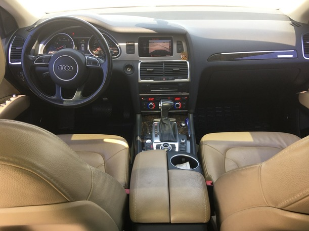 Used 2016 Audi Q7 for sale in sharjah