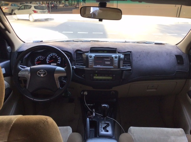 Used 2015 Toyota Fortuner for sale in dubai