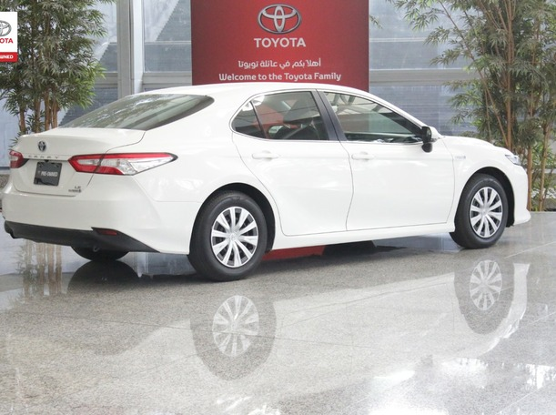 Used 2019 Toyota Camry for sale in ajman
