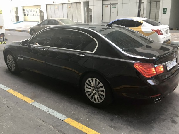 Used 2010 BMW 740 for sale in abudhabi
