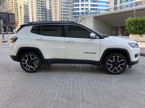 Used 2019 Jeep Compass for sale in dubai
