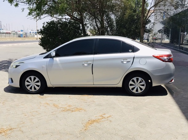 Used 2014 Toyota Yaris for sale in abudhabi