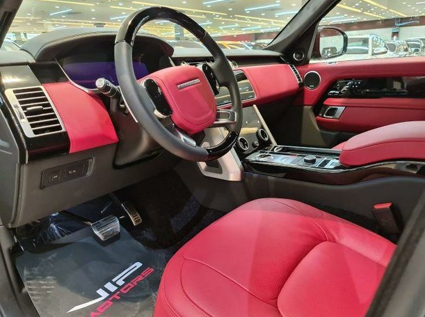 Used 2020 Range Rover Vogue for sale in dubai