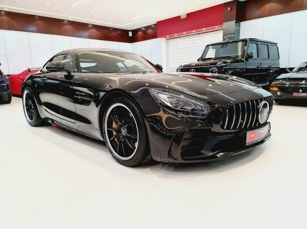 Used 2018 Mercedes AMG GT-R for sale in dubai