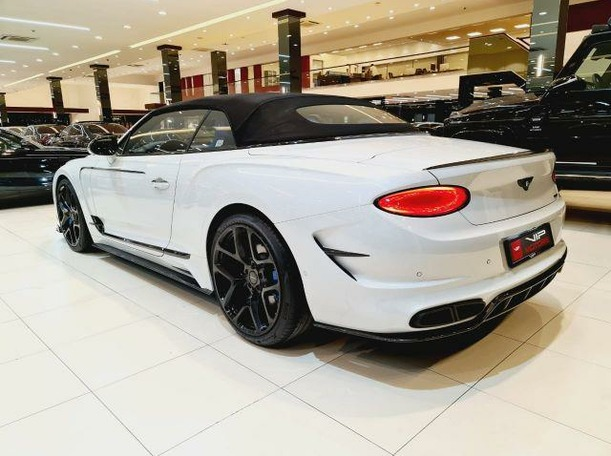 Used 2020 Bentley Continental for sale in dubai