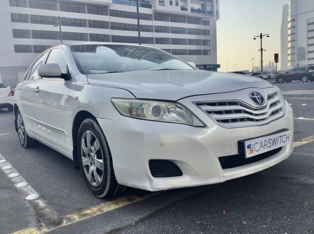 Used 2010 Toyota Camry for sale in dubai