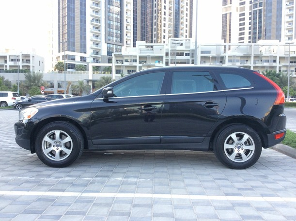 Used 2012 volvo XC60 for sale in dubai