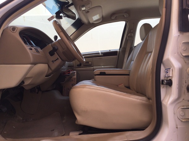 Used 2008 Lincoln Continental for sale in abudhabi