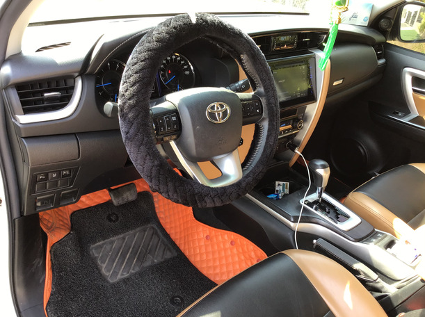 Used 2017 Toyota Fortuner for sale in sharjah