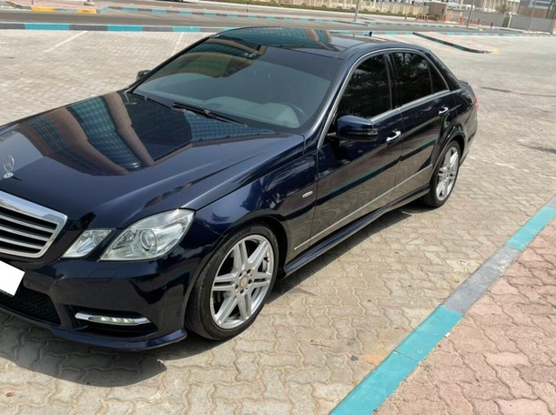 Used 2013 Mercedes E300 for sale in abudhabi