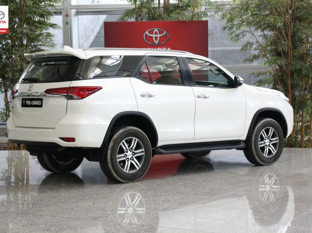 Used 2020 Toyota Fortuner for sale in sharjah