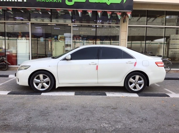 Used 2011 Toyota Camry for sale in sharjah
