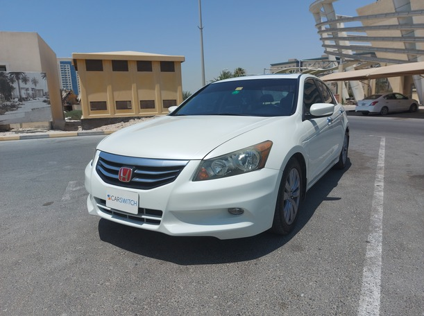 Used 2011 Honda Accord for sale in sharjah