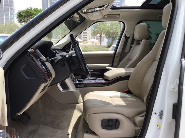 Used 2016 Range Rover Vogue for sale in abudhabi