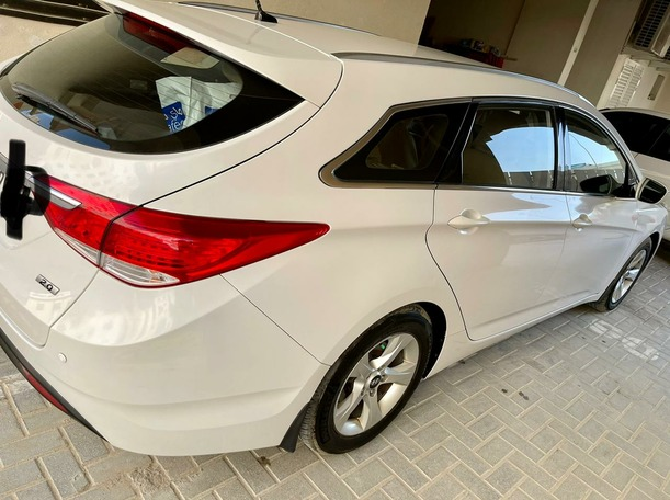 Used 2015 Hyundai i40 for sale in sharjah