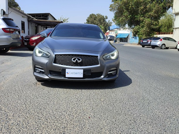 Used 2014 Infiniti Q50 for sale in sharjah
