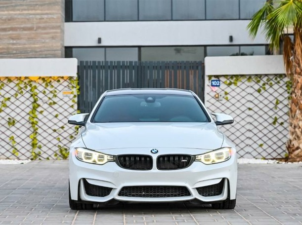 Used 2016 BMW M4 for sale in dubai