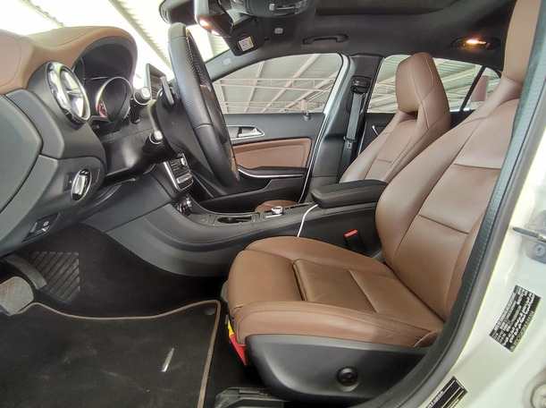 Used 2019 Mercedes GLA250 for sale in sharjah