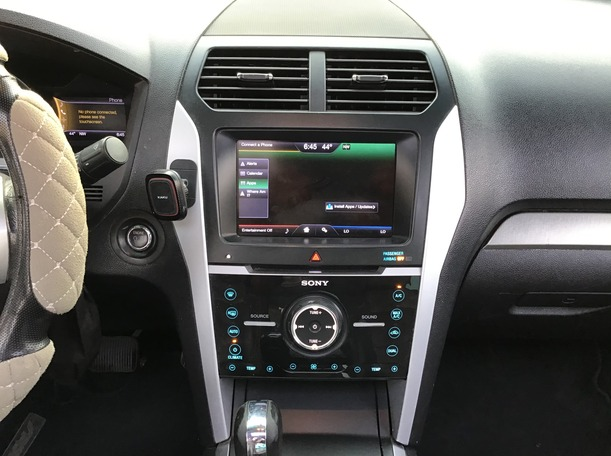 Used 2013 Ford Explorer for sale in abudhabi
