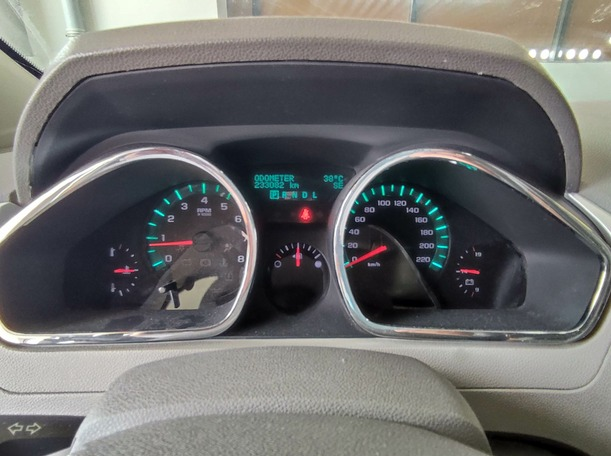 Used 2011 Chevrolet Traverse for sale in sharjah