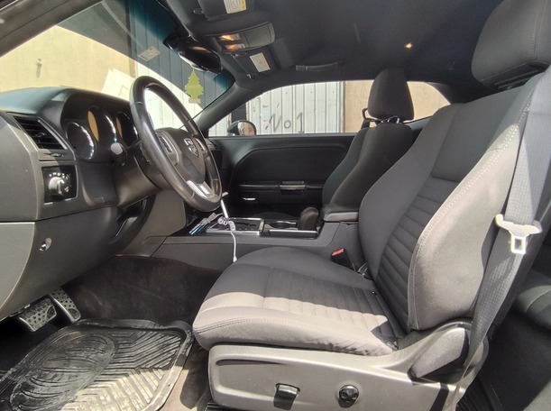 Used 2012 Dodge Challenger for sale in sharjah