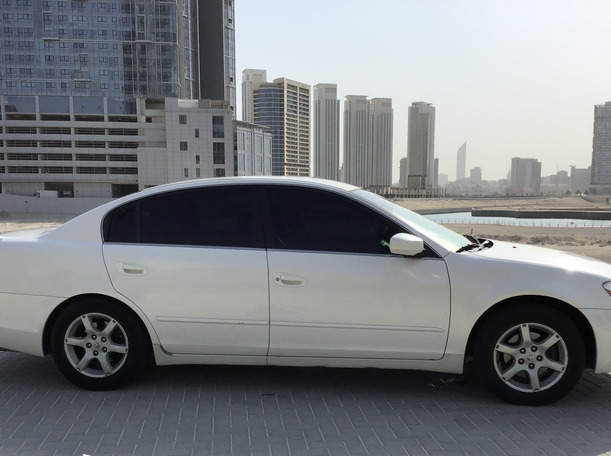 Used 2007 Nissan Altima for sale in abudhabi