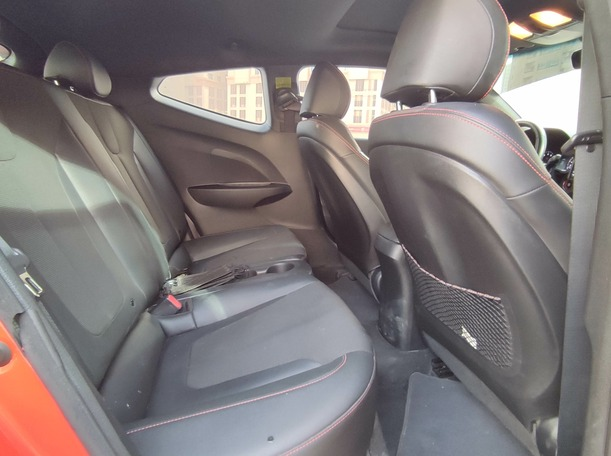 Used 2020 Hyundai Veloster for sale in sharjah
