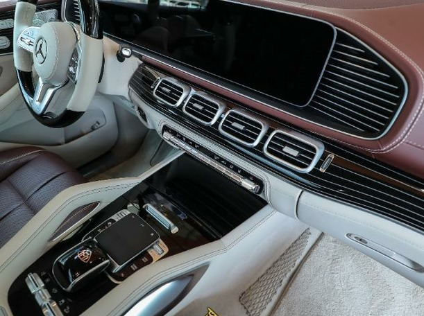 Used 2021 Mercedes GLS500 for sale in dubai