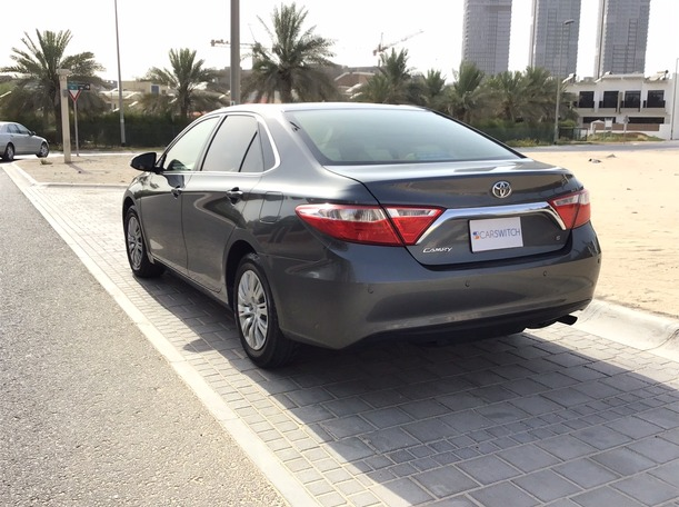 Used 2016 Toyota Camry for sale in dubai