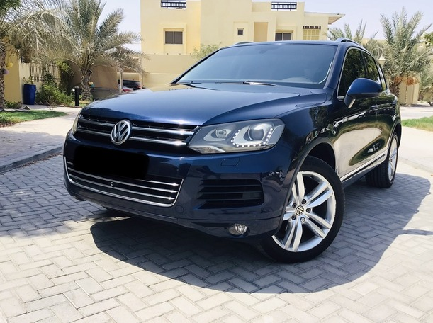 Used 2012 Volkswagen Touareg for sale in abudhabi